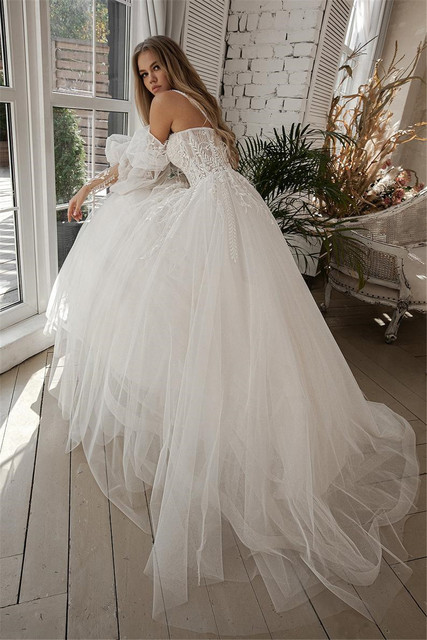 A-line Beach Wedding Dress Long Puff Sleeve Lace Bridal Gown Feathers Custom Made Princess Wedding Party Gowns Boho Plus Size 4