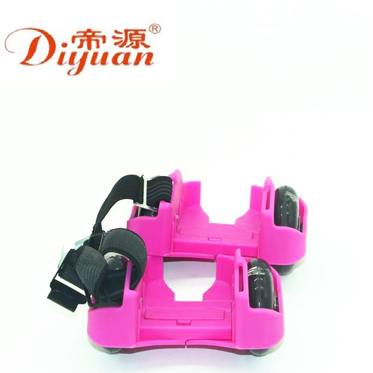 Di Yuan New Style Four Wheel Hot Wheels Runaway Shoes Children Auxiliary ride Instead Of Walk 4-round Hot Wheels Shoes Skating