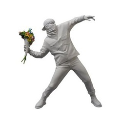 Inspirado por Banksy Flower Thrower Bombardeiro Enfeites de Mesa Criativo Estátua de Resina Casa Acessórios de Decoração Moderna Decoração Da Mesa