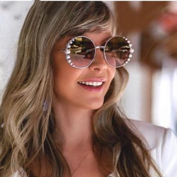 2020 nowa okrągła oprawka Pearl okulary moda elegancki Trend szlachetne damskie wszystkie mecze metalowe wysokiej jakości kolorowe okulary przeciwsłoneczne tanie i dobre opinie MGSEVZAQ CN (pochodzenie) WOMEN ROUND Dla dorosłych Stop Lustro Fotochromowe UV400 58mm Z tworzywa sztucznego CC5095