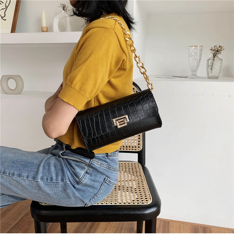 Crocodile Pattern Vintage Soild Color Small Square Bag For Women 2020 summer Handbag And Small Chain Bags Fashion Armpit Bag (15)