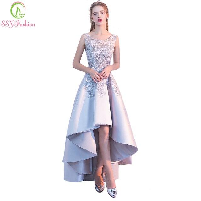 クリアランス販売宴会エレガントなグレーサテンイブニングドレス高/低ショートフロントロングバックレースアップリケフォーマルパーティードレス
