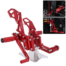 Red Style CNC Motorcycle Reat Footrest Foot Pedal Pegs Set For Suzuli GSX R 600 750 GSX-R GSXR D40