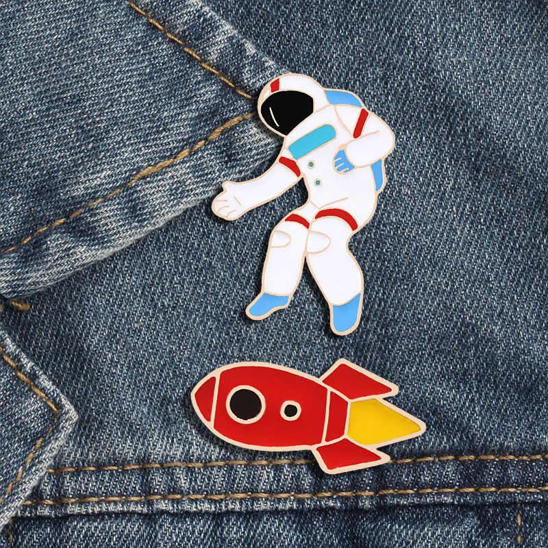 Spazio Smalto Spille Ho bisogno di il mio spazio Tazza Spilla Astronauta Rocket costellazione Spilli Risvolto Capretti del Regalo Di Natale Spille Gioielli Distintivo