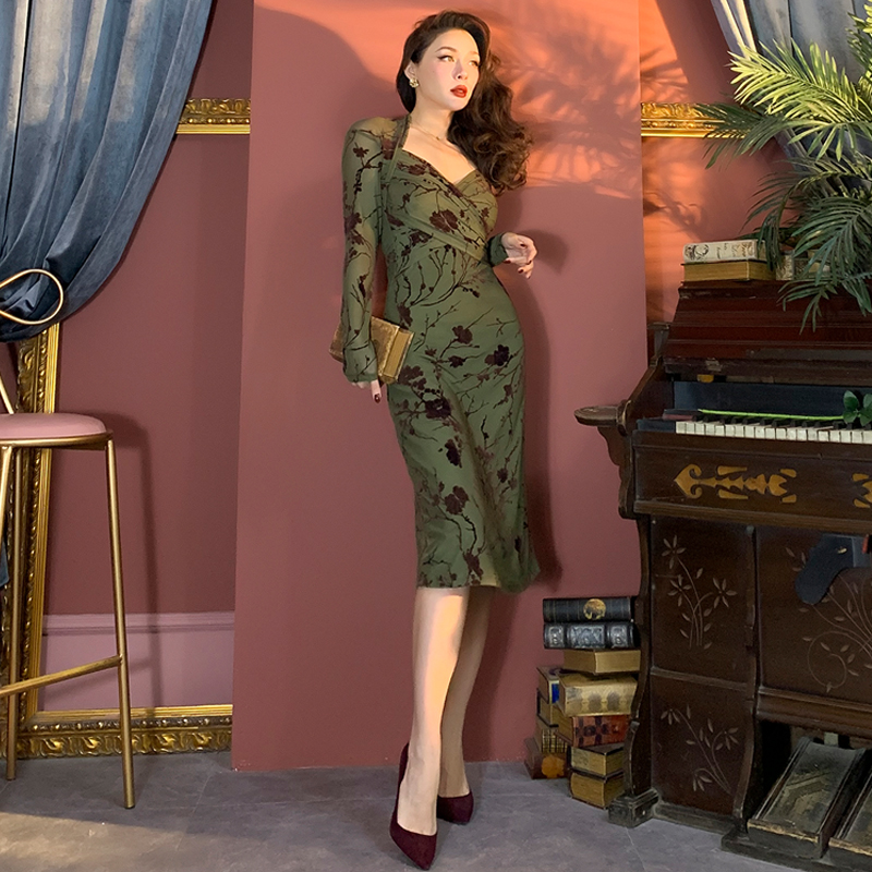 2019 Winter Beauty Elegant Vintage Olive Flocking Exposed Collarbone Long Dress Mid-Calf Oriental Style Women Party Dresses