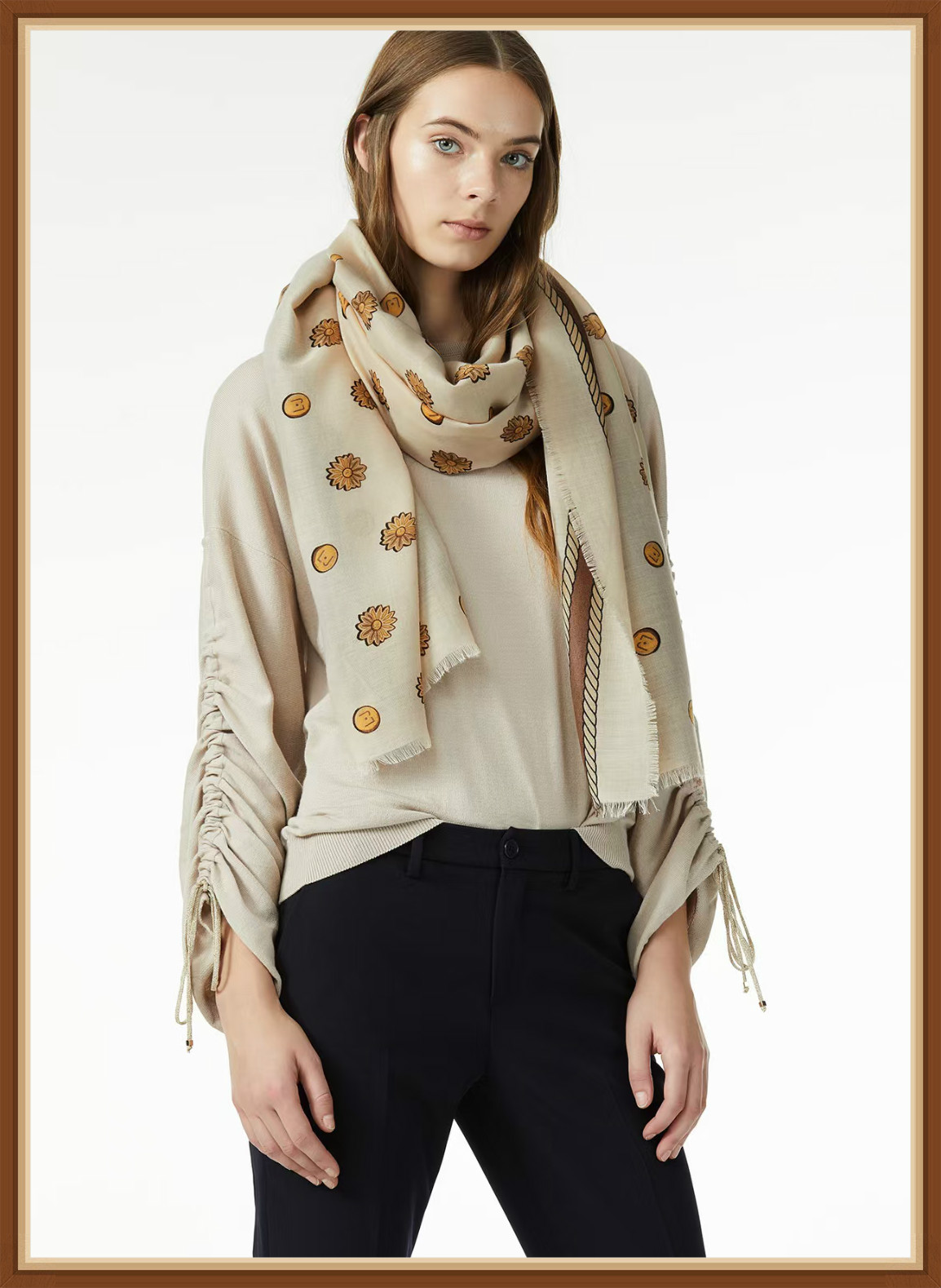 The new Italian luxury women's scarf and shawl, the classic gold chain neck scarf, can be used for both warmth and sun shading