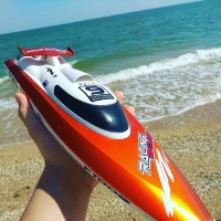 Boy RC Racing Boat FT009 2.4GHz Remote Control Electric Speedboat4 Channel Metal Water Cooling High Speed Racing Kids Toys Gift