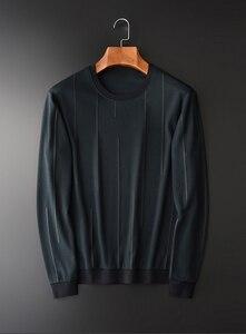 Image 2 - Sudadera verde con cuello redondo de Minglu, sudadera informal de lujo con rayas verticales para hombre, sudaderas para primavera y otoño, tallas grandes 4XL