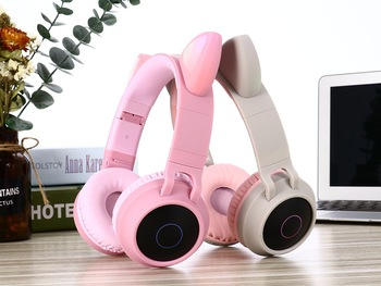 DHL Cat Ear Bluetooth Headphones Flashing Glowing Gaming Headsets LED Light Wireless Stereo Headband Cute Earphones Kids Gift