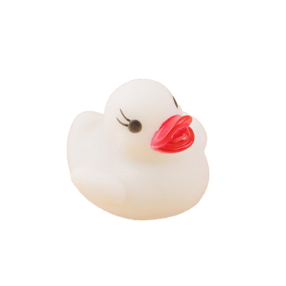 Плавающий Новорожденный ребенок Ванна время игрушка изменение цвета утка мигающий светодиодный светильник s up автоматически при погружении в воду - Цвет: Белый