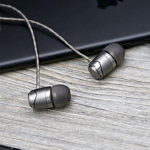 Image 3 - חדש SoundMAGIC E11 באוזן אוזניות ללא מיקרופון כבד בס HIFI מוסיקה אוזניות עבור ipod mp3 נגן
