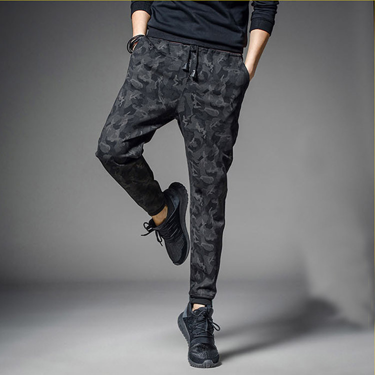 2018 Summer Men's Hot Selling Casual Pants Men's Skinny Autumn And Winter Plus Velvet Sweatpants Camouflage Sports Harem Pants M
