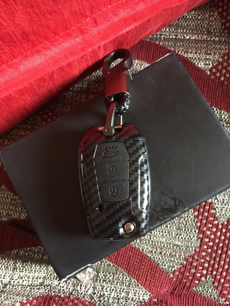Carbon Fiber Silicone Car Key Case For Ssangyong Rexton Korando C Tivoli Flip Folding Remote Cover(China)
