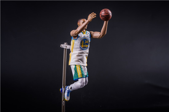 NBA Basketball Athletes Stephen Curry Jersey Number 30, 1/9 White Jersey Mobile Boxed Garage Kit