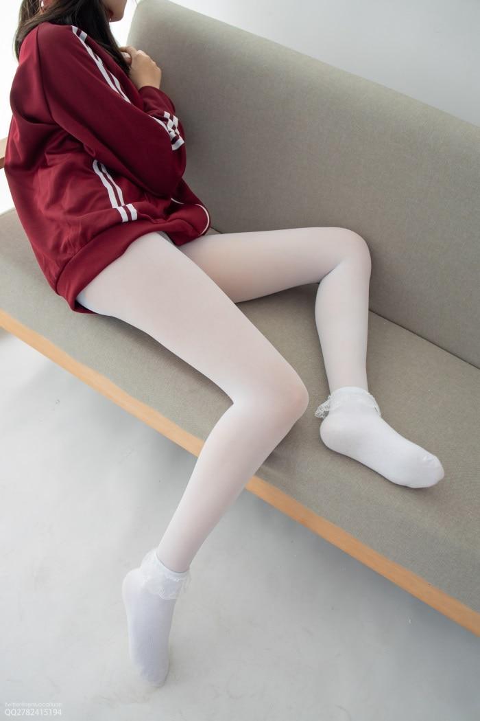 丝模写真森萝财团写真 JKFUN-百元系列2-3《白丝套蕾丝花边短袜》匿名 [40P/1V/2.88G]插图(2)