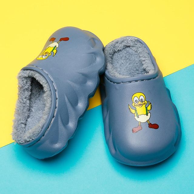 2020 модные детские зимние хлопковые домашние тапочки; детская фотография