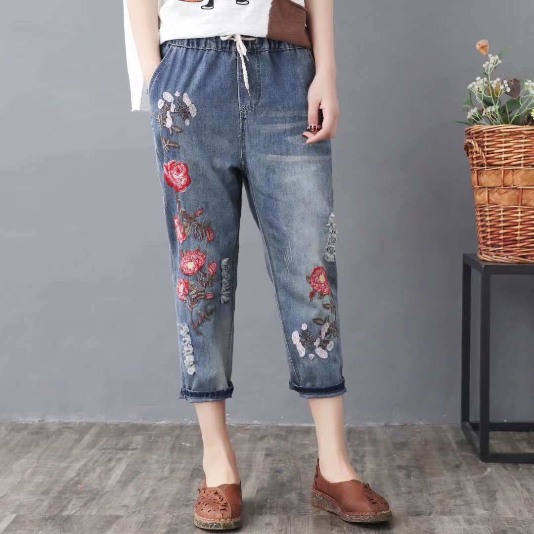 2019 Spring And Summer New Style Retro National Wind Embroidered Lace-up Loose-Fit Capri Harem Jeans Women's