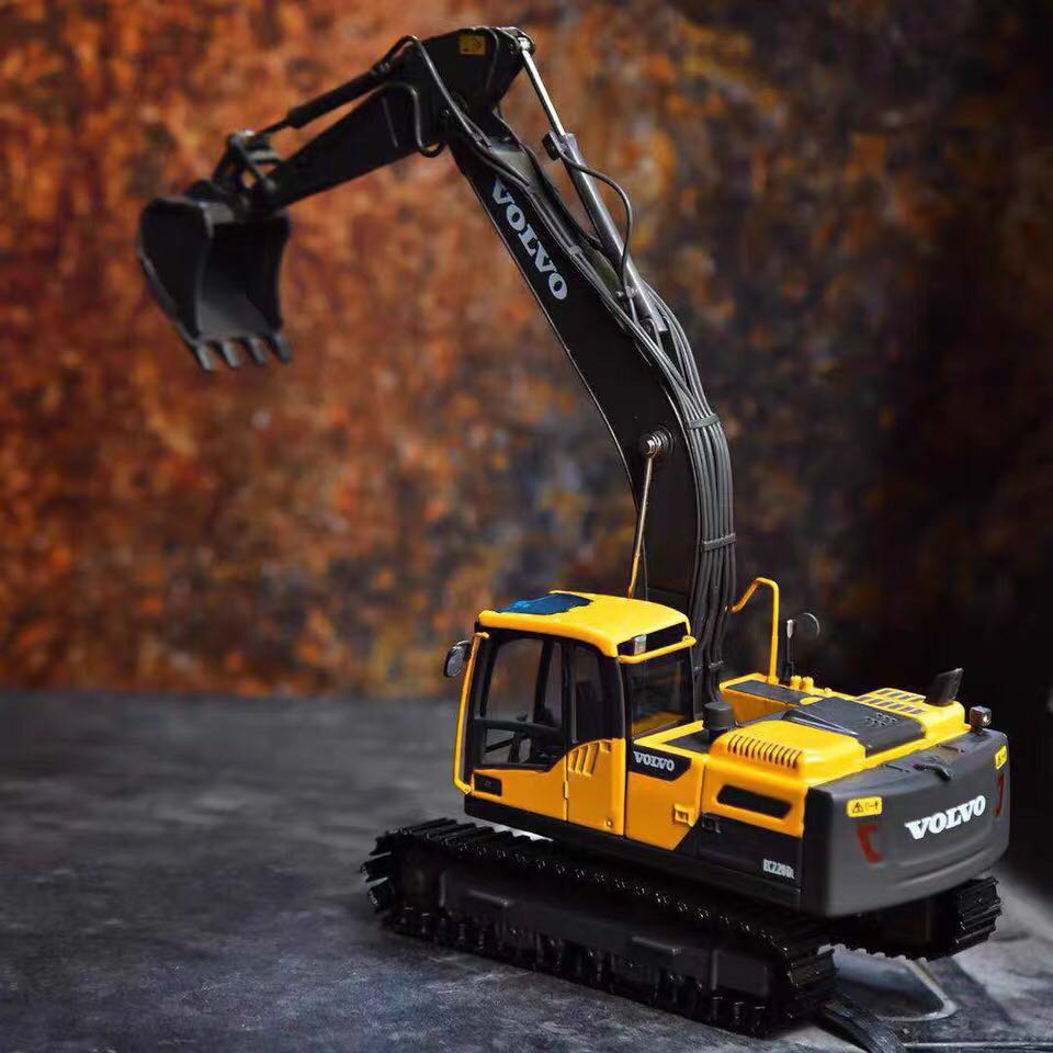 1/50 Simulation Engineering Excavator Vehicle For VOLVO EC220 Model  Diecast Metal Car Model Toy As Gift