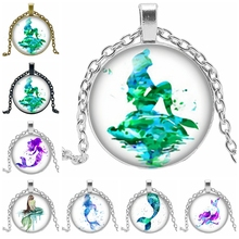 2019 New Hot Ocean Mermaid Pattern Series Glass Convex Round Pendant Necklace Popular Jewelry Gift
