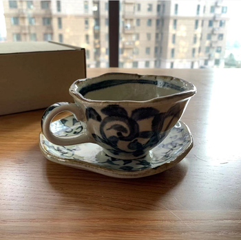 Luxury Japanese Cup and Saucer Reusable Small Porcelain Latte Tea Cups with Handle Saucer Szklanki Do Kawy Home Drinkware 5050