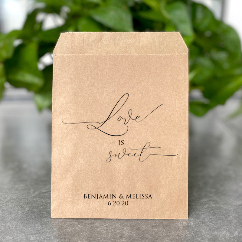 Love is sweet bags-персонализированные свадебные пакеты для конфет из крафт-бумаги и белой бумаги, вечерние конфетные пакеты для печенья