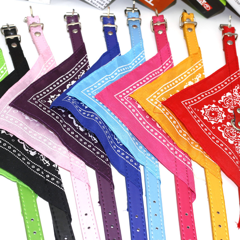Available in stock: 1.5cm Pu pet triangle Scarf Collar pet accessories dog saliva scarf multi color optional