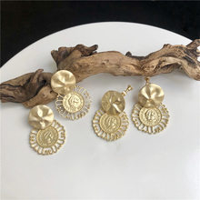 Vintage antigo ouro rainha moeda balançar brincos para as mulheres moda geométrica brincos redondos moda jóias