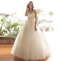 Sexy Spaghetti Straps Boho Wedding Dresses 2019 Lace Appliques Sweetheart Sleeveless Wedding Gowns Formal Champagne Bride Dress