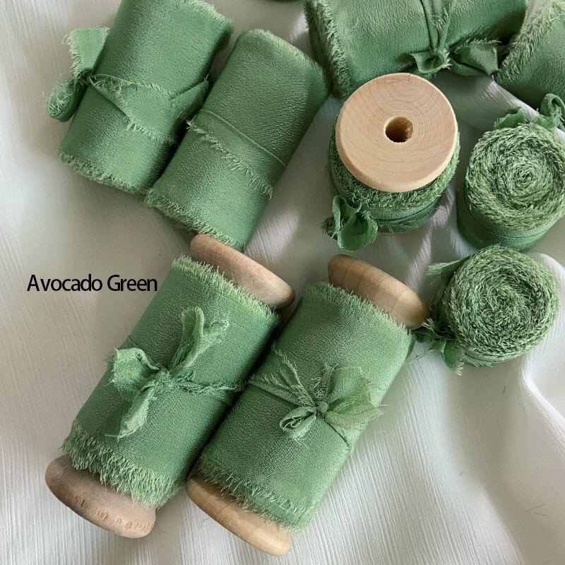 Лента из натурального чистого шелка с вышивкой сатин хлопок