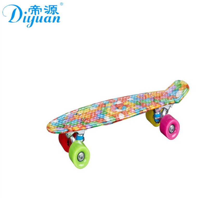 Manufacturers Direct Selling Wholesale Plastic Water Transfer Fish Skateboard 22-Inch  ride Instead Of Walk Brush Street Skatebo