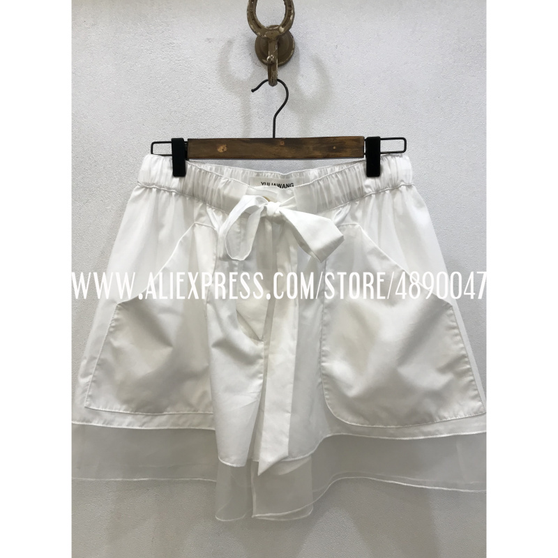 2020 early spring new youth girl temperament organza silk stitching shorts black and white loose casual high quality pants