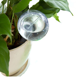 Automatic Plant Self Watering Water Feeder Plastic Pvc Ball Plant Flowers Water Feeder Indoor Outdoor Watering Cans Garden Tools