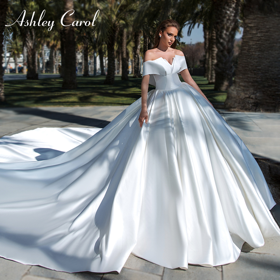 Ashley Carol Vintage Satin Ball Gown Wedding Dress 2020 Simple Boat Neck Princess Bridal Dress Cathedral Train Wedding Gowns