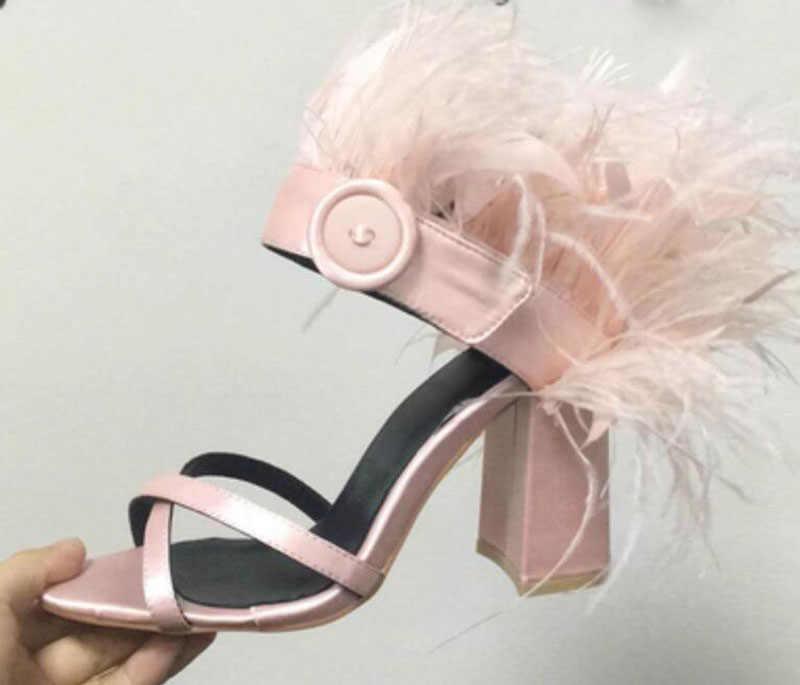 Sandalias de verano con botones redondeados con plumas de pasarela para mujer zapatos de calle de tacón alto grueso con tiras cruzadas de seda para mujer