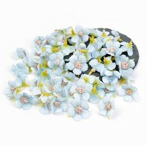 Image 5 - Mini flores artificiais de seda, 50 peças 2cm margarida cabeça de flor para decoração de casamento casa diy guirlanda endereço de cabeça flores falsas decoração
