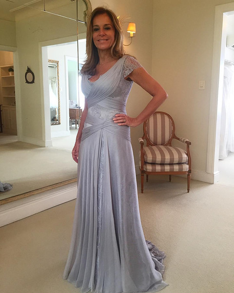 Backless Mother Of The Bride Dresses A-line V-neck Cap Sleeves Lace Long Groom Mother Dresses For Weddings