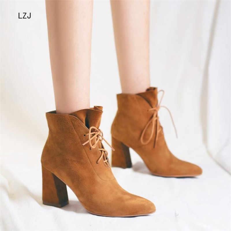 LZJ 2019 หนังนิ่มหนังข้อเท้ารองเท้า Elegant ชี้ Toe สแควร์ Chunky รองเท้าส้นสูงรองเท้าฤดูใบไม้ร่วงฤดูหนาว 8.5 ซม.34-39