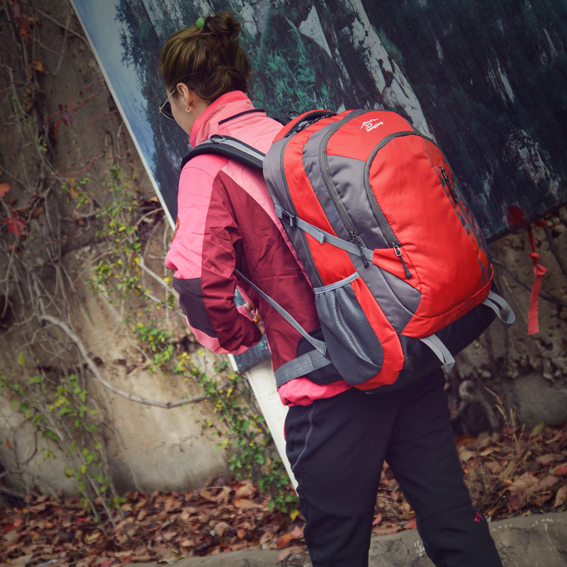 Large-Volume Backpack Men And Women Backpack Mountaineering Bag Waterproof Travel Luggage Backpack Camping Outdoor Backpack