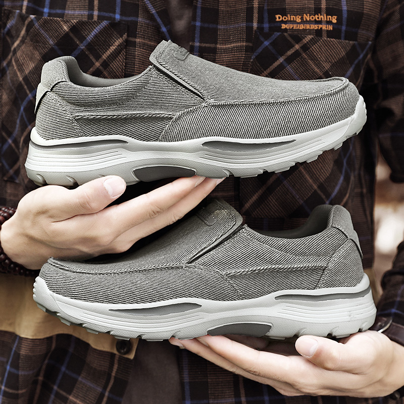 Men's Casual Shoes Canvas Breathable Loafers Men 2021 New Male Comfortable Outdoor Walking Shoes Classic Loafers Men Sneakers