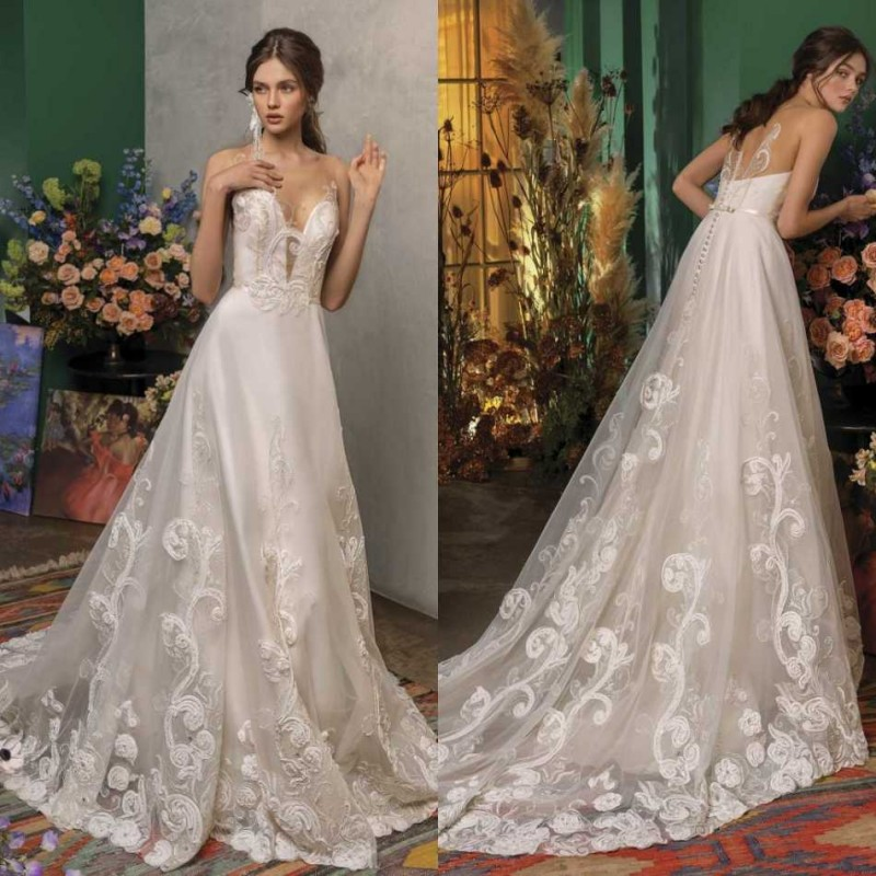 2020 Wedding Dresses V Neck Sleeveless Lace Appliques Bridal Gowns Gorgeous Backless Sweep Train A Line Wedding Dress