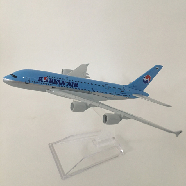 16cm Alloy Metal Airplane Model Korean Air A380 Airlines Aircraft Airbus 380 Airways Plane Model W Stand Gift free shipping 2