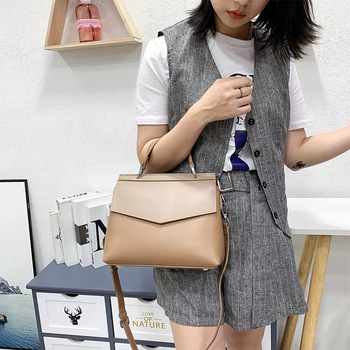 New 2020 Women Casual Tote Handbag 100% Genuine Leather Fashion Lady Shoulder Crossbody Bag High Quality Office Bags Black Red zency new model rivets women tote bag 100% genuine leather handbag burgundy fashion lady messenger purse crossbody flap black