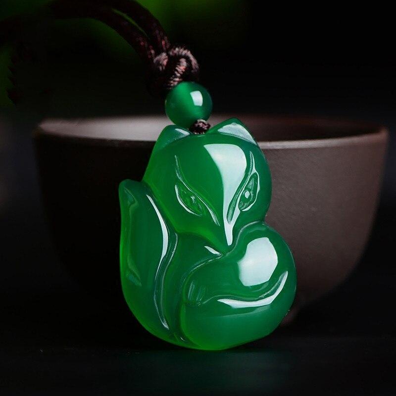 Натуральный зеленый белый китайский халцедон нефрит лиса кулон ожерелье Модные очаровательные ювелирные изделия Резные амулеты Подарки для женщин мужчин - Цвет камня: Green fox
