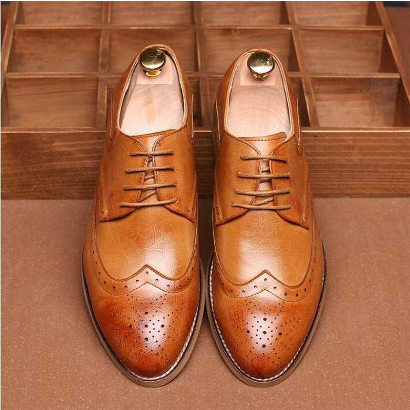 Designer Men Formal Shoes Fashion Leather shoes Men Dress Shoe Pointed Oxfords Shoes For Men Lace Up Brogue Shoes A52-01