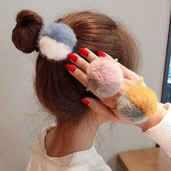 Dopasowane kolory gumka do włosów jesienią i zimą nowy Temperament dziewczyny włochata piłka głowa słodkie proste pluszowe głowy liny gumka do wlosow tanie i dobre opinie Cheer bows CN (pochodzenie) NYLON WOMEN Dla osób dorosłych Nakrycie głowy Elastyczne gumki do włosów moda Patchwork