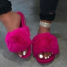 Zapatillas peludas con cuña de esponja para mujer, sandalias esponjosas con pelo de felpa, zapatillas de invierno calientes con punta abierta sin cordones