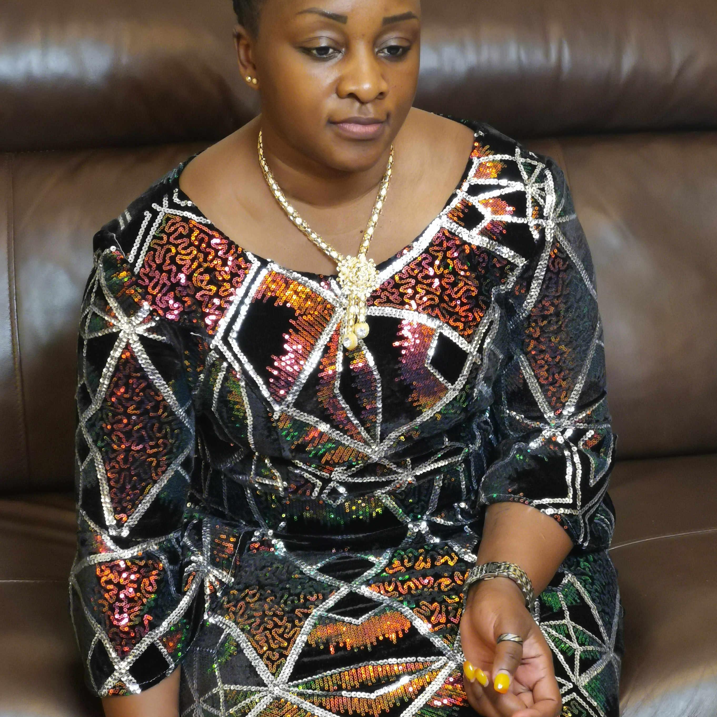 Najnowszy nigeryjski aksamit koronki tkaniny z kolorowe cekiny afryki koronki tkaniny miękkie Stretch aksamitne koronki do sukni ślubnej Ghana A1767