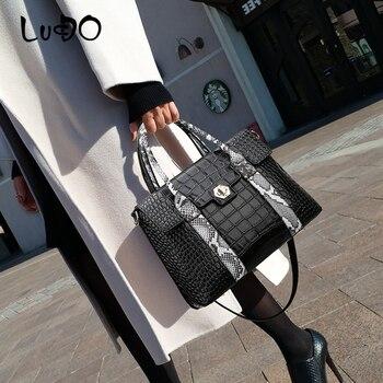 LUCDO Retro Women Luxury Handbag with lock 2020 New Designer Crocodile Pattern leather Shoulder Crossbody Bag for women big Tote