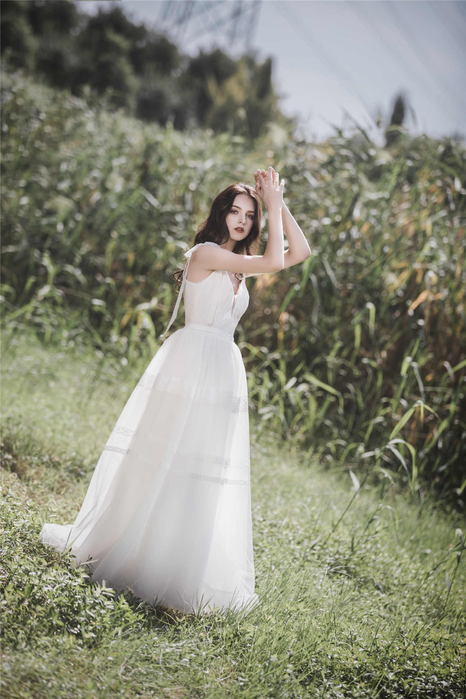 חתונת שמלה לבן אונליין אלגנטי V-צוואר שיפון עם רצועות רוכסן ארוך חזרה כלה שמלת לחתונה מסיבת מלכת אבי