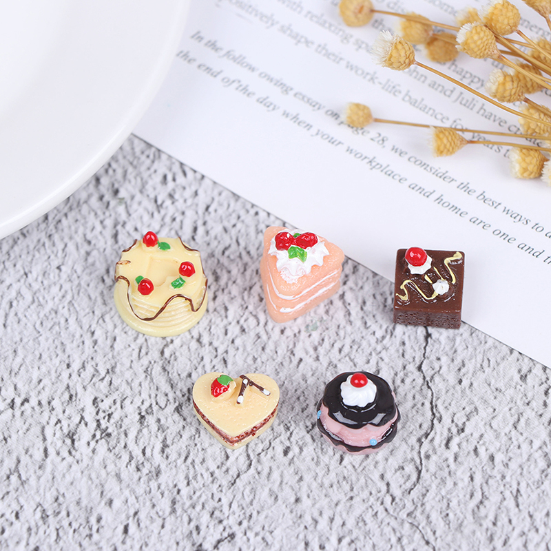 5Pcs Simulation Chocolate Cakes Miniature Food Figurine Dollhouse Accessories Decorate Your Cute Dollhouse Add Some Lively Aure